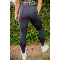 LEGGING ESSENTIAL PRETO